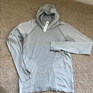 NEW BALANCE pullover hoodie. LIKE NEW!